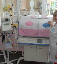 Завідуюча відділенням та старша медична сестра-min